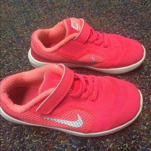 Kids 10c pink Nike shoes